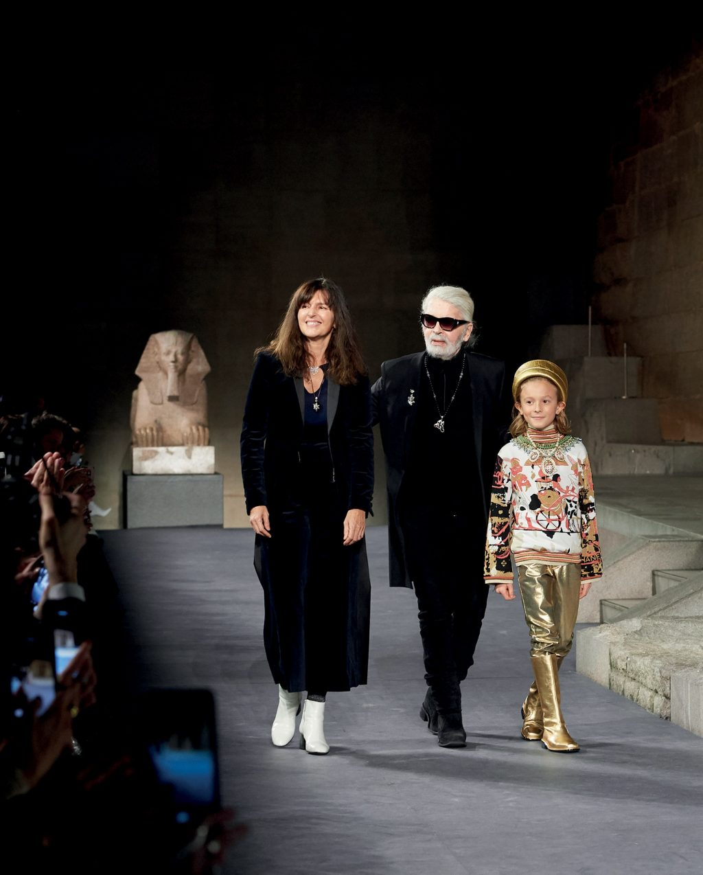 thời trang Karl Lagerfelf qua đời