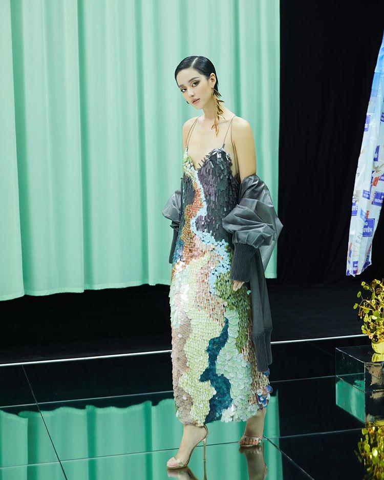 Fashionista Việt Khánh Linh trong một thiết kế của Công Trí