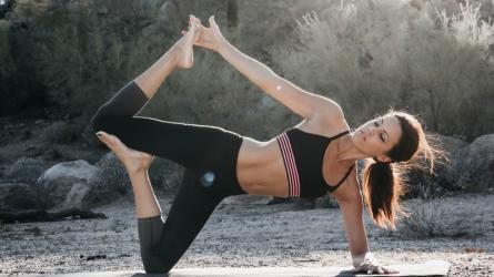 Bụng phẳng lì với 7 bài tập thể dục giảm mỡ bụng tại nhà