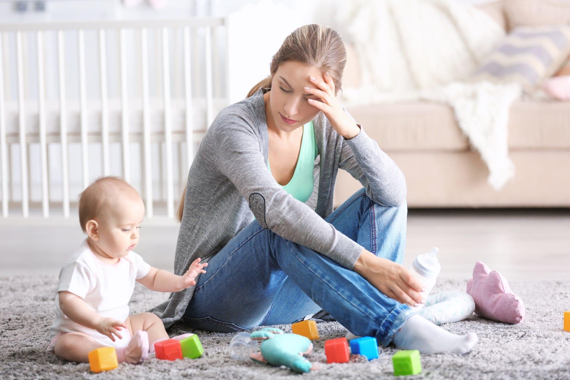 người mẹ trầm cảm khi chơi cùng con
