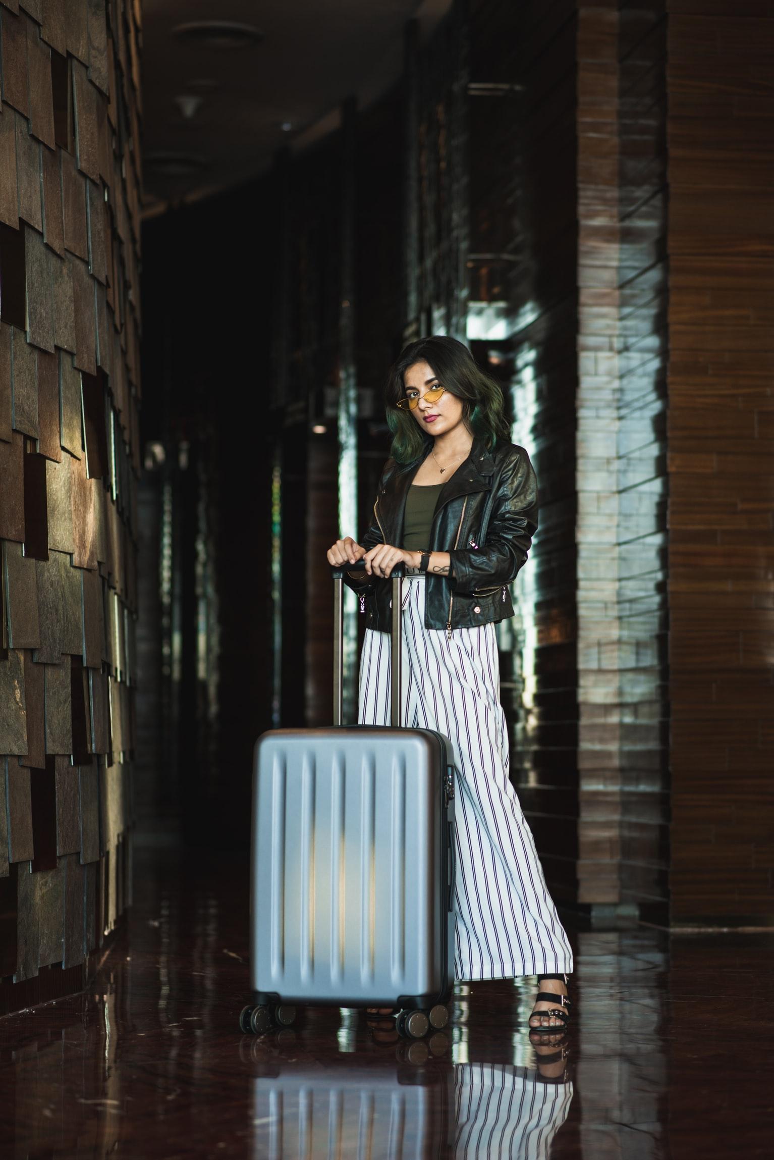 vali du lịch - vali 4 bánh vỏ cứng
