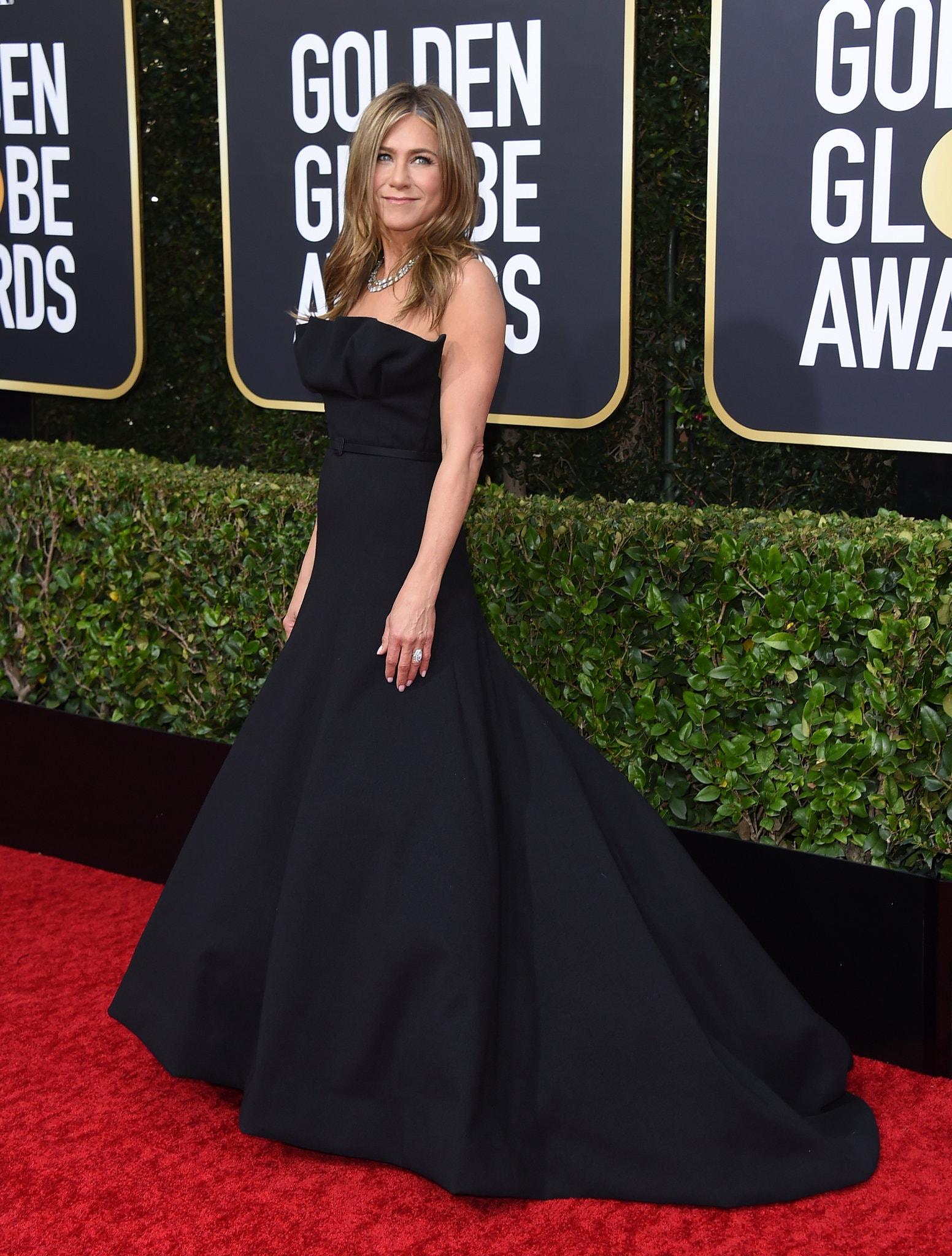 thảm đỏ quả cầu vàng 2020 Jennifer Aniston