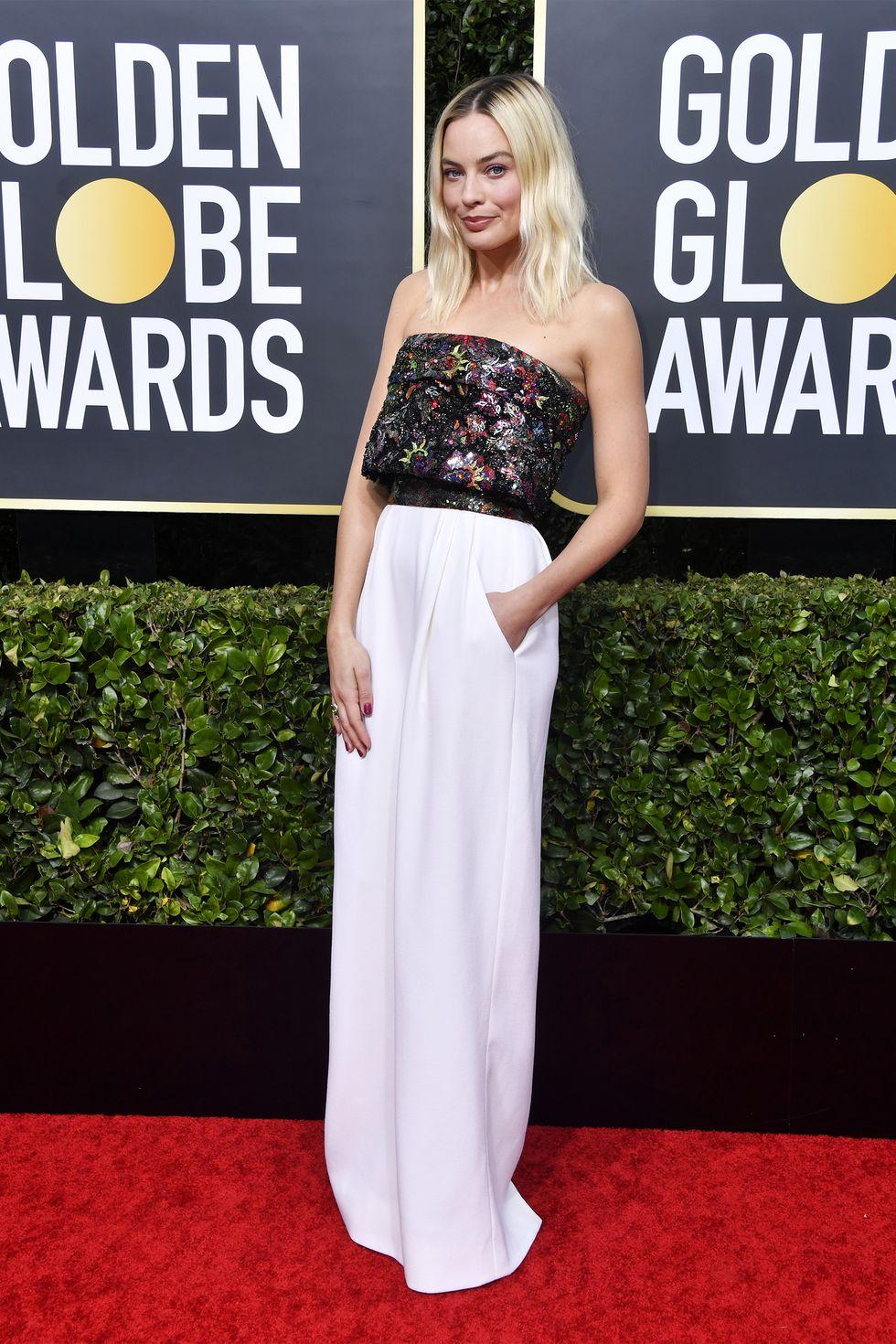 thảm đỏ quả cầu vàng 2020 Margot Robbie