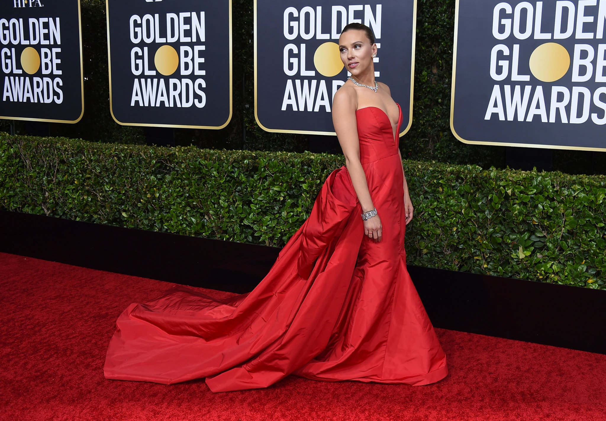 Thảm đỏ Quả Cầu Vàng 2020 Scarlett Johansson
