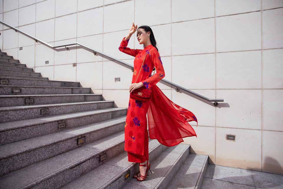tủ quần áo Tết áo dài NTK Lê Thanh Hòa