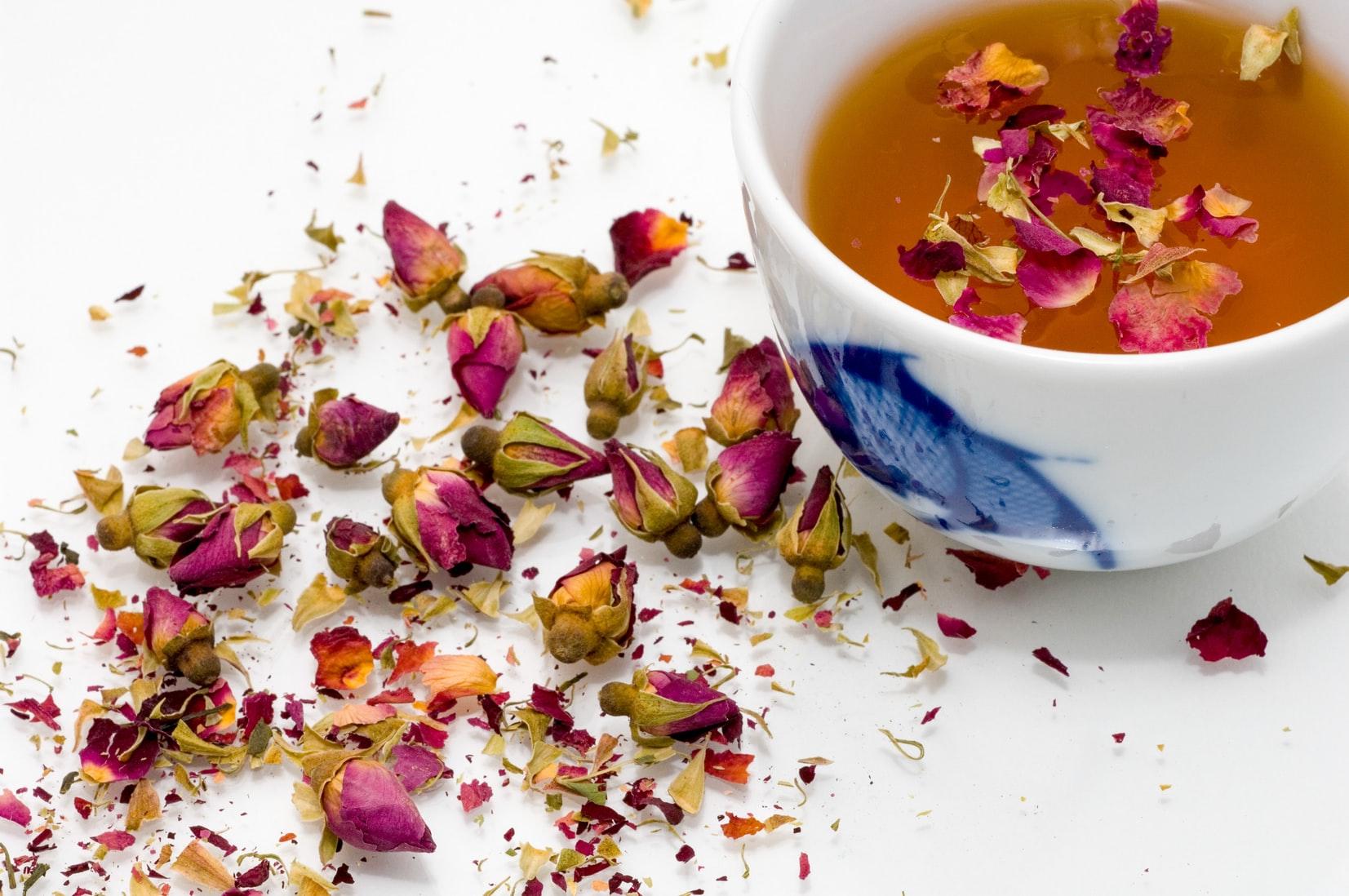 Trà hoa hồng - trà thảo mộc làm giảm lo âu.
