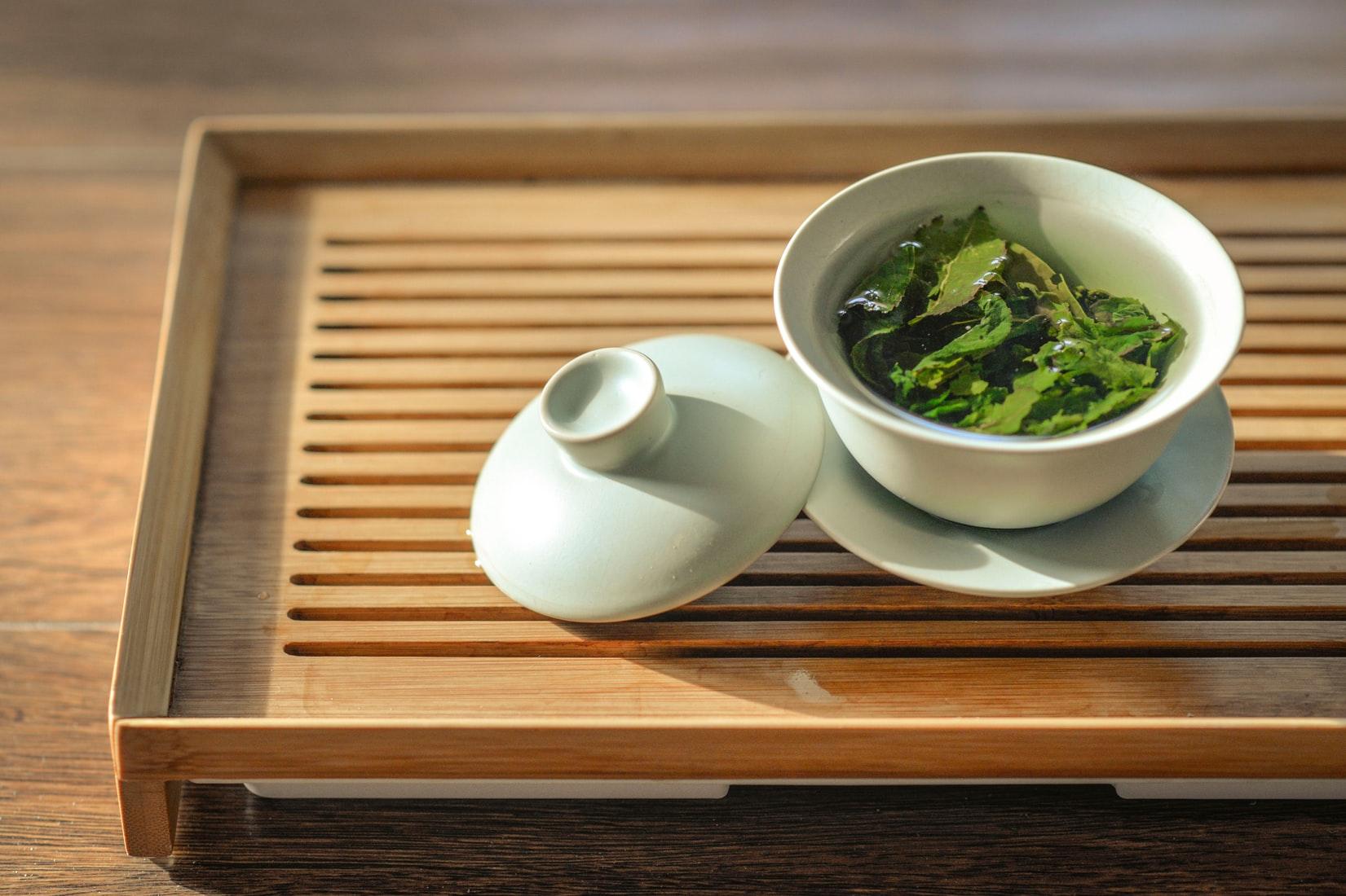 Trà xanh - Trà thảo mộc giảm stress giúp thư giãn tinh thần.