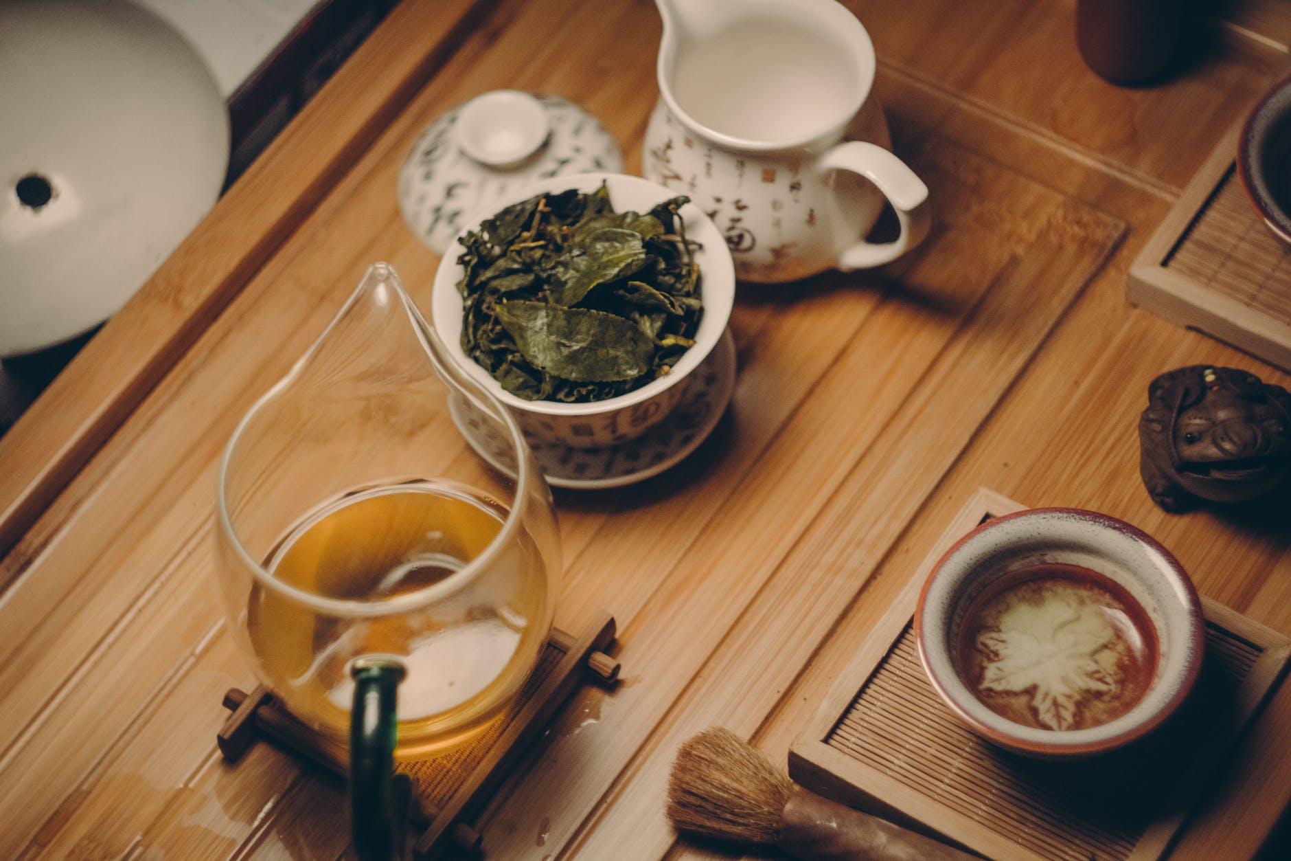 Cách trị mụn-Ấm trà xanh.