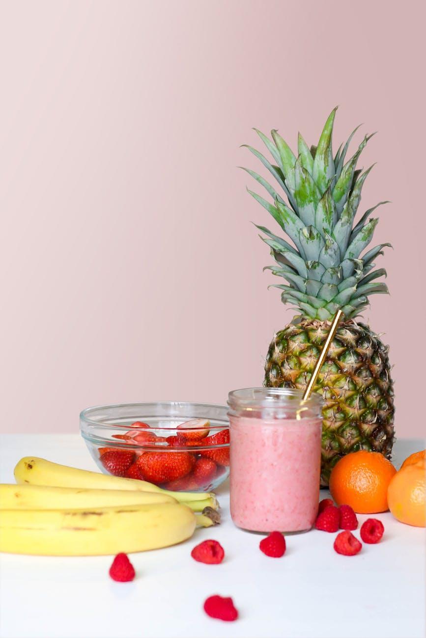 Thức uống detocx-Sinh tố dứa quả mọng.