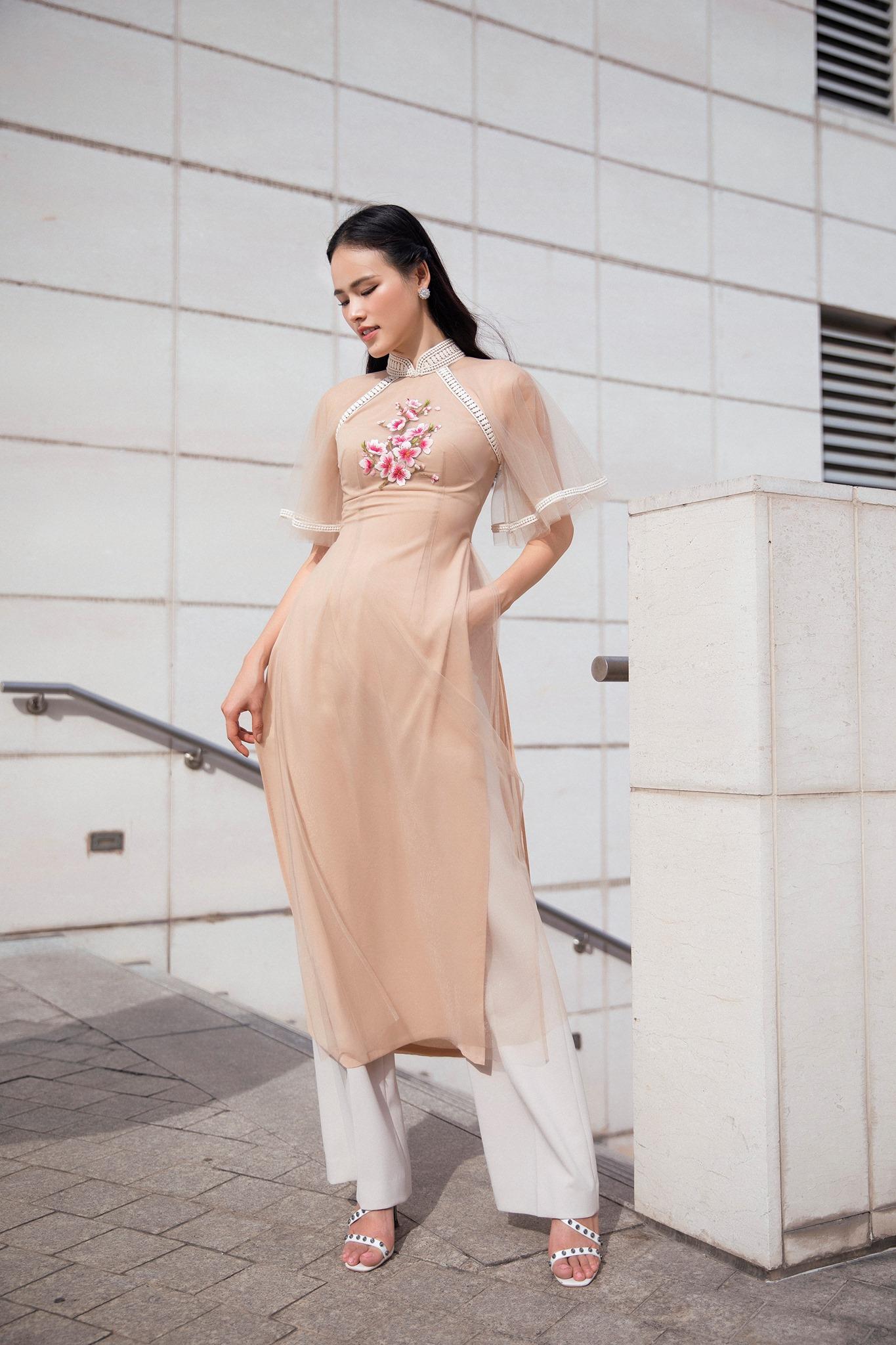 Áo dài Tết 2020 từ nhà thiết kế Lê Thanh Hòa 1