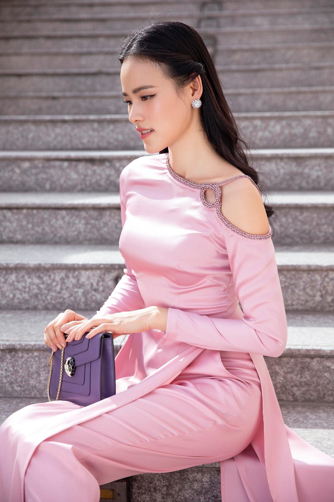 Áo dài Tết 2020 từ nhà thiết kế Lê Thanh Hòa