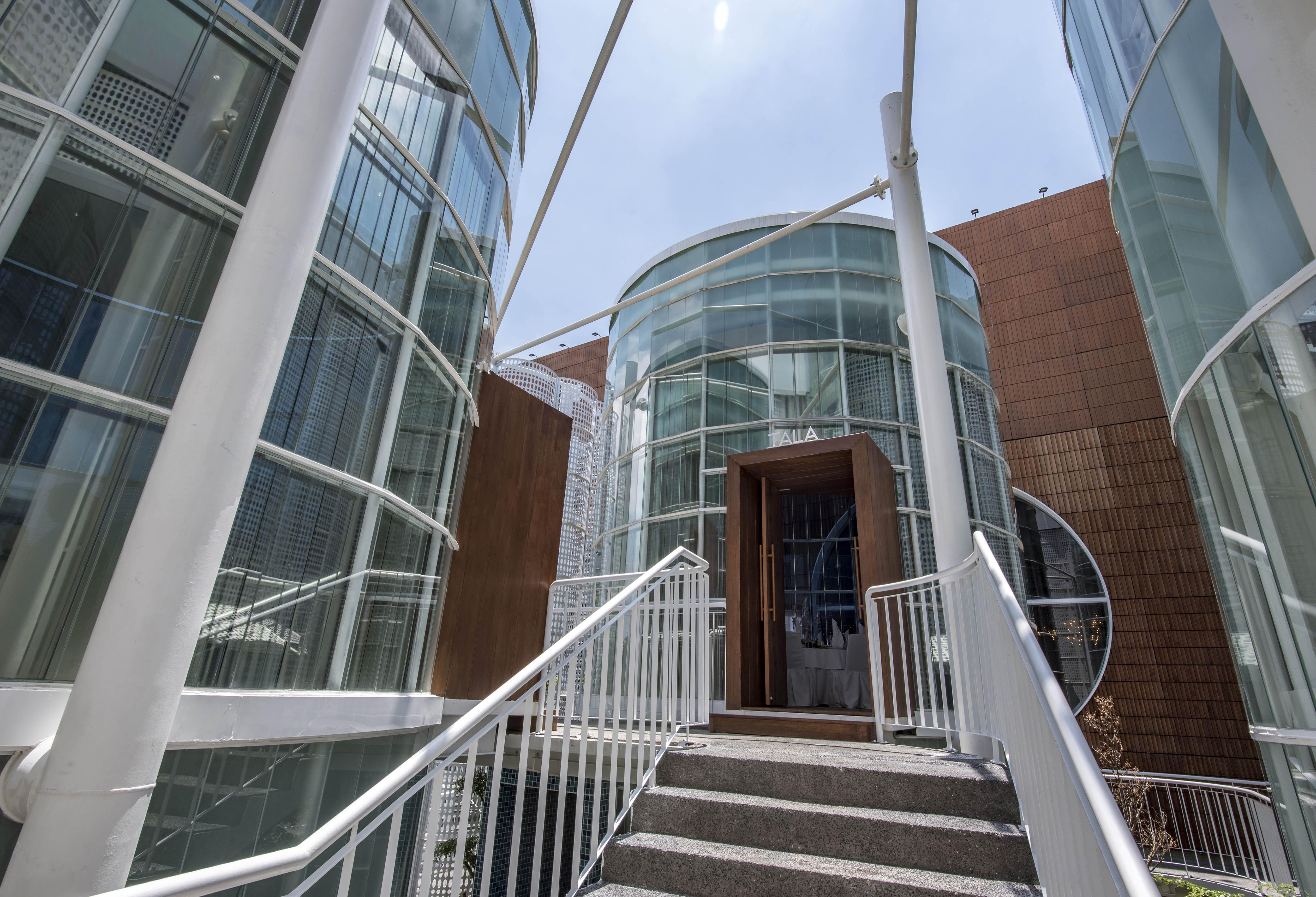 không gian đa dạng của trung tâm triển lãm White Palace