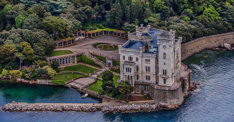 Miramare castle Ý