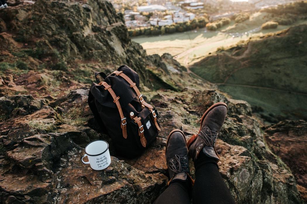 hành trang gọn nhẹ cho chuyến du lịch một mình