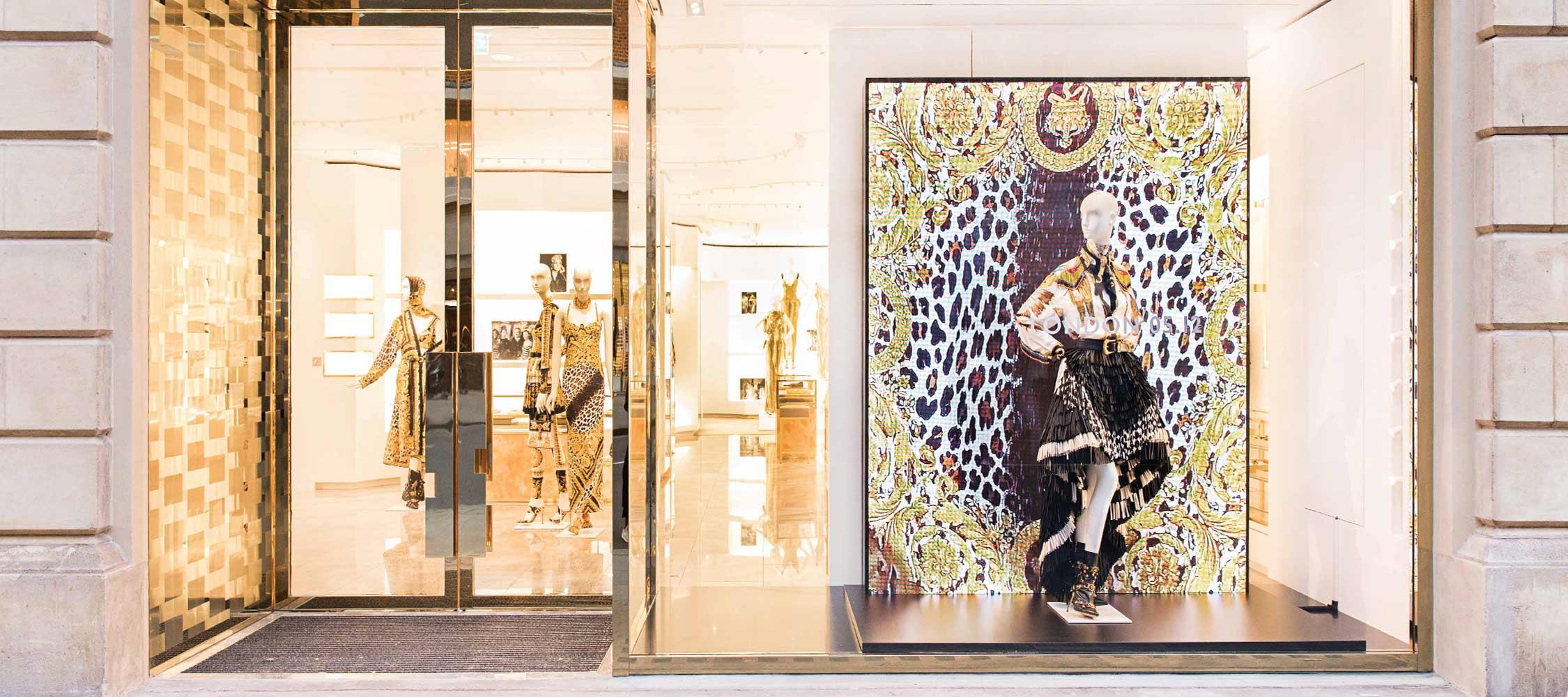 Tin thời trang Versace mở thêm cửa hàng flagship tại London và Paris