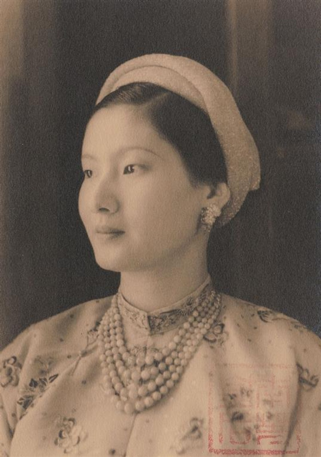 phụ kiện truyền thống mũ mấn việt nam hoàng hậu nam phương