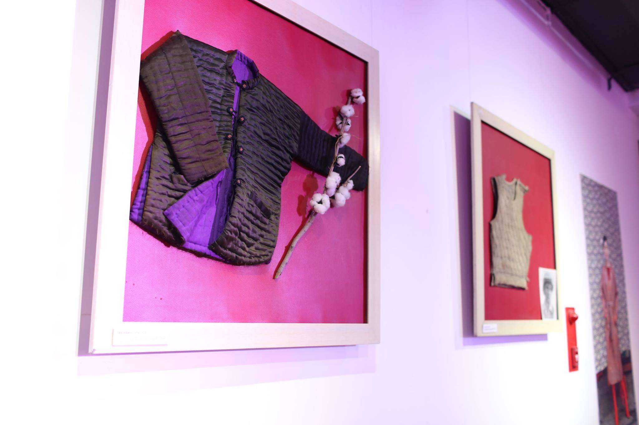 áo khoác chần bông triển lãm