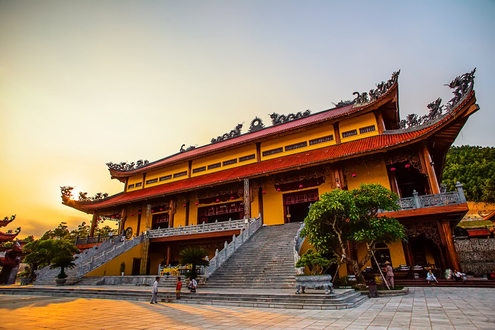 chùa ba vàng du lịch tâm linh