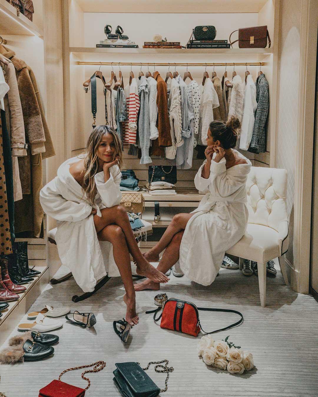 bí quyết quản lý tủ quần áo bằng cách trao đổi với bạn bè