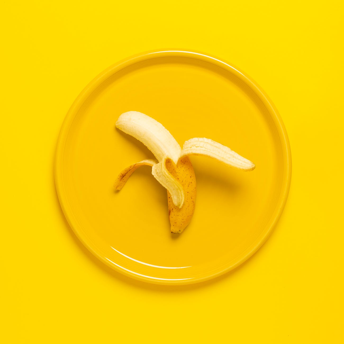 Cách giải rượu-Trái chuối màu vàng.