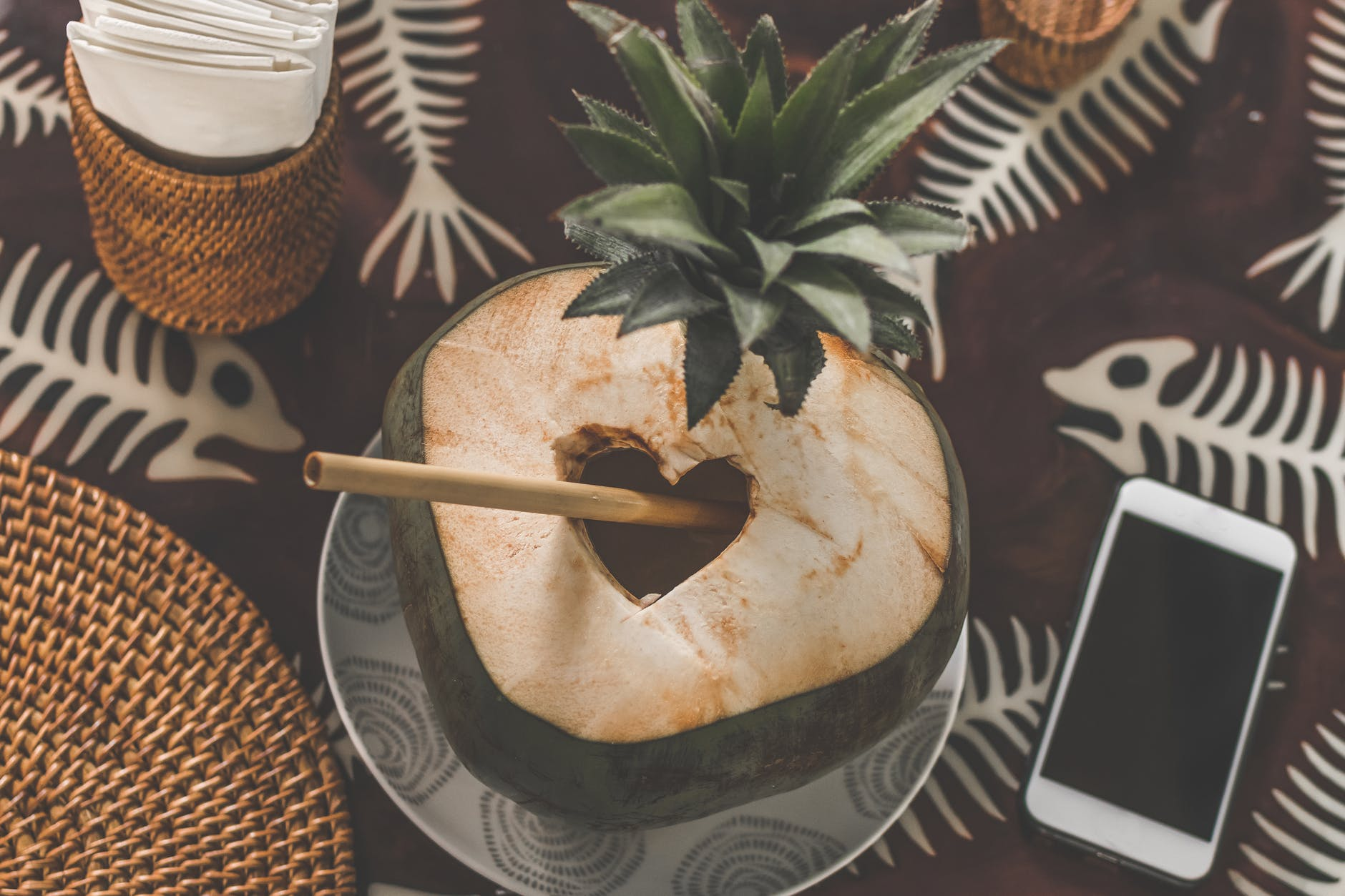 Cách giải rượu-Trái dừa tỉa hình trái tim.