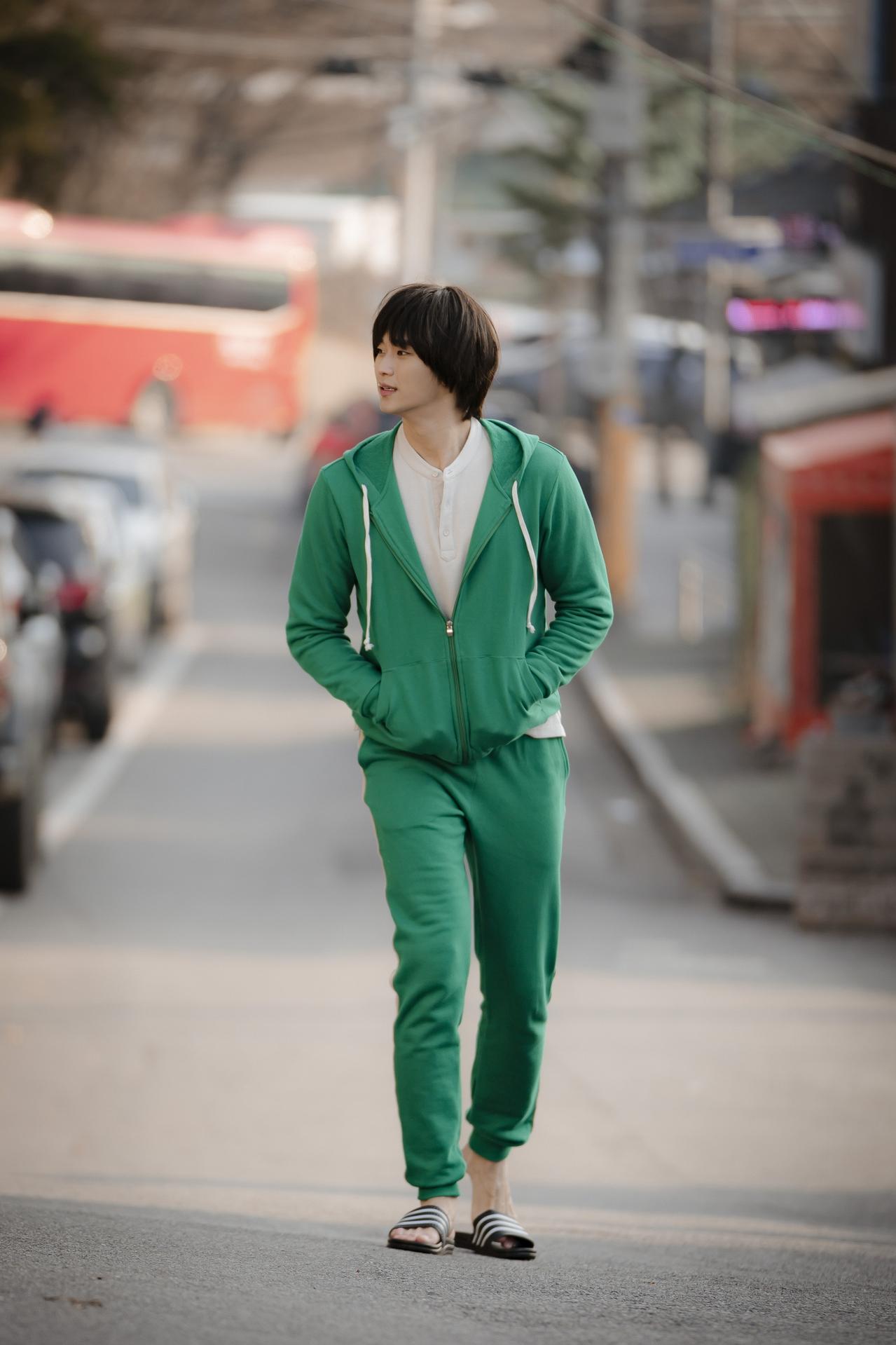 """Bên cạnh dàn diễn viên chính, sự góp của những khách mời """"xịn xò"""" như Kim Soo Hyun và sắp tới là Choi Ji Won khiến bộ phim thêm """"nhiệt"""". Ảnh: hk01"""