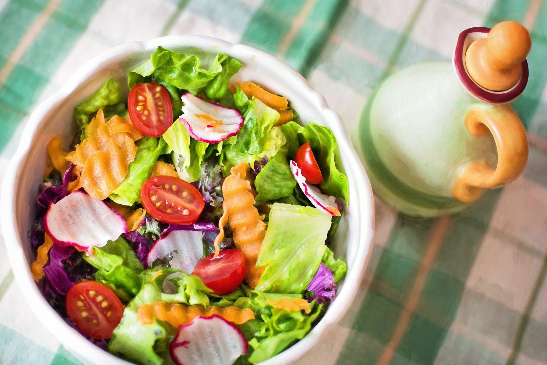 Cách giảm cân-Chén salad.