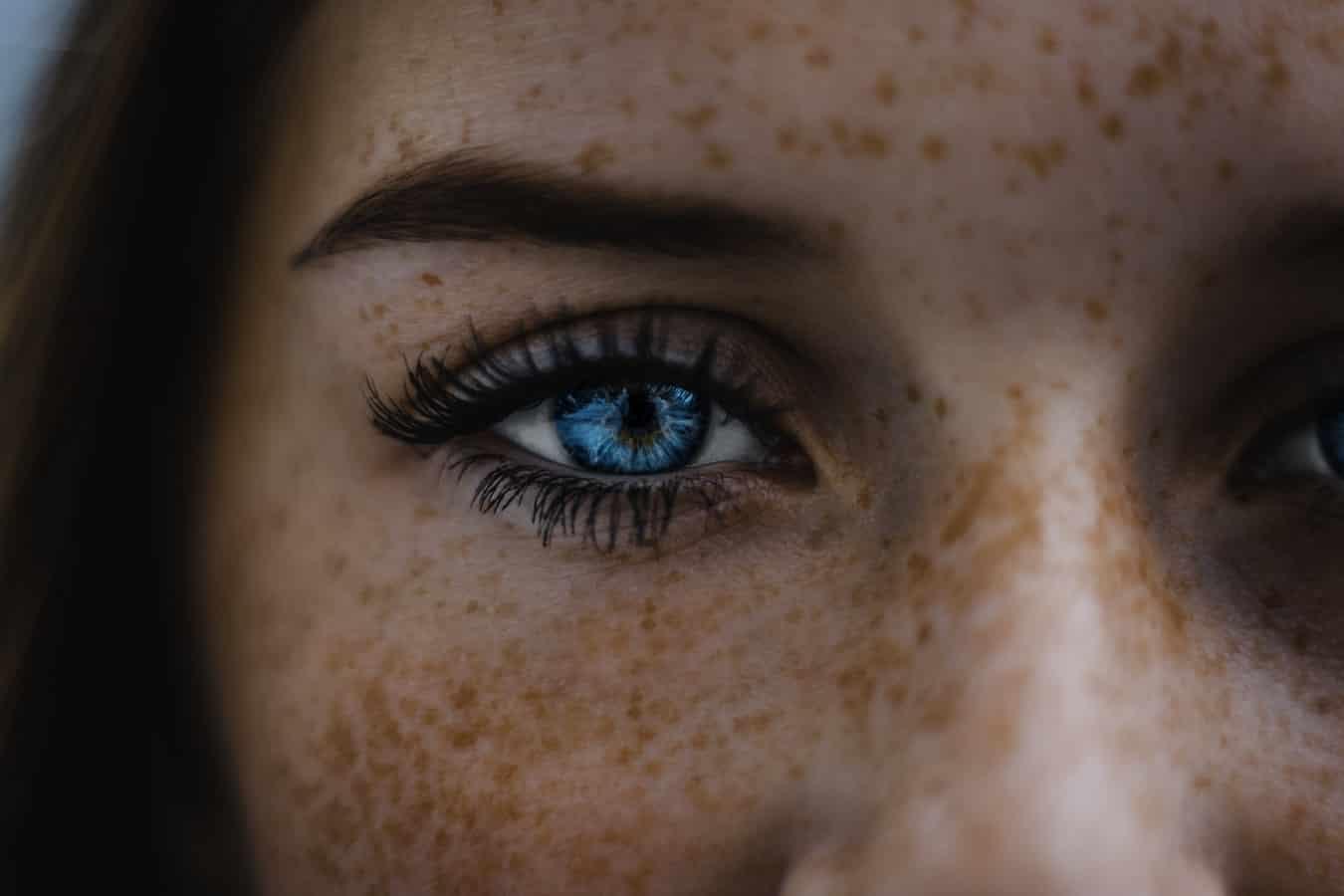 Tác hại của rượu-Cô gái mắt xanh.
