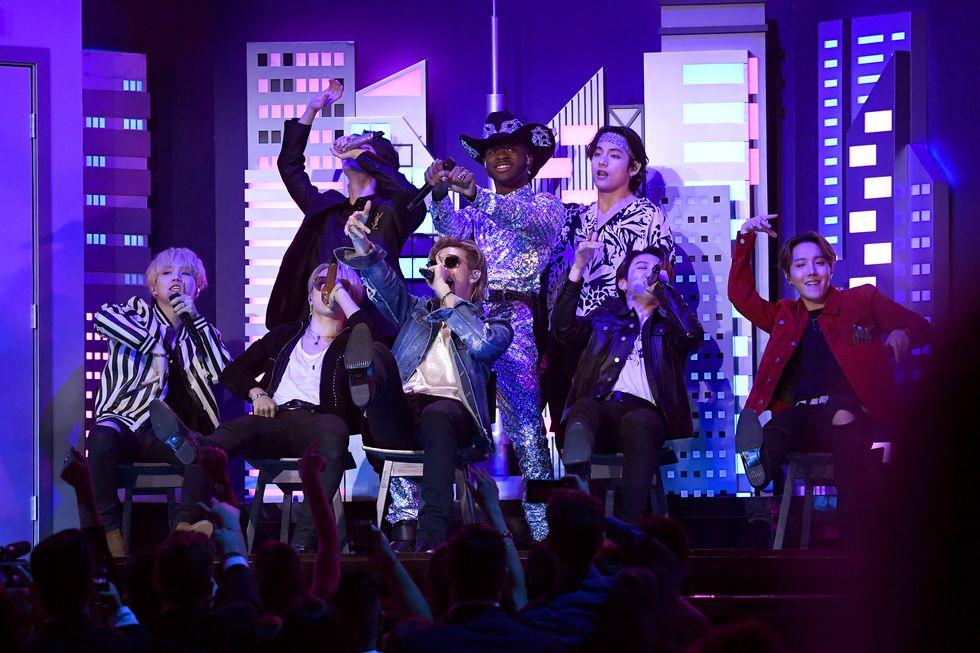 Lil Nas X và BTS biểu diễn tại Grammy 2020