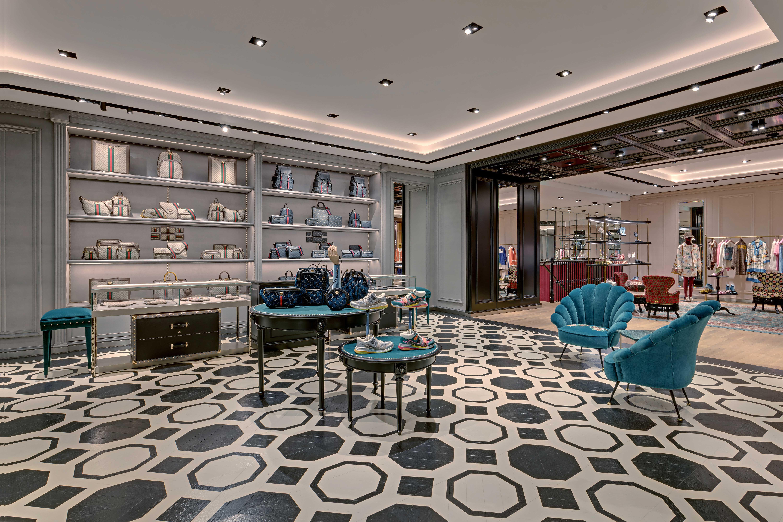 Kiến trúc và nội thất ấn tượng của tầng hai cửa hàng Gucci Tràng Tiền Plaza