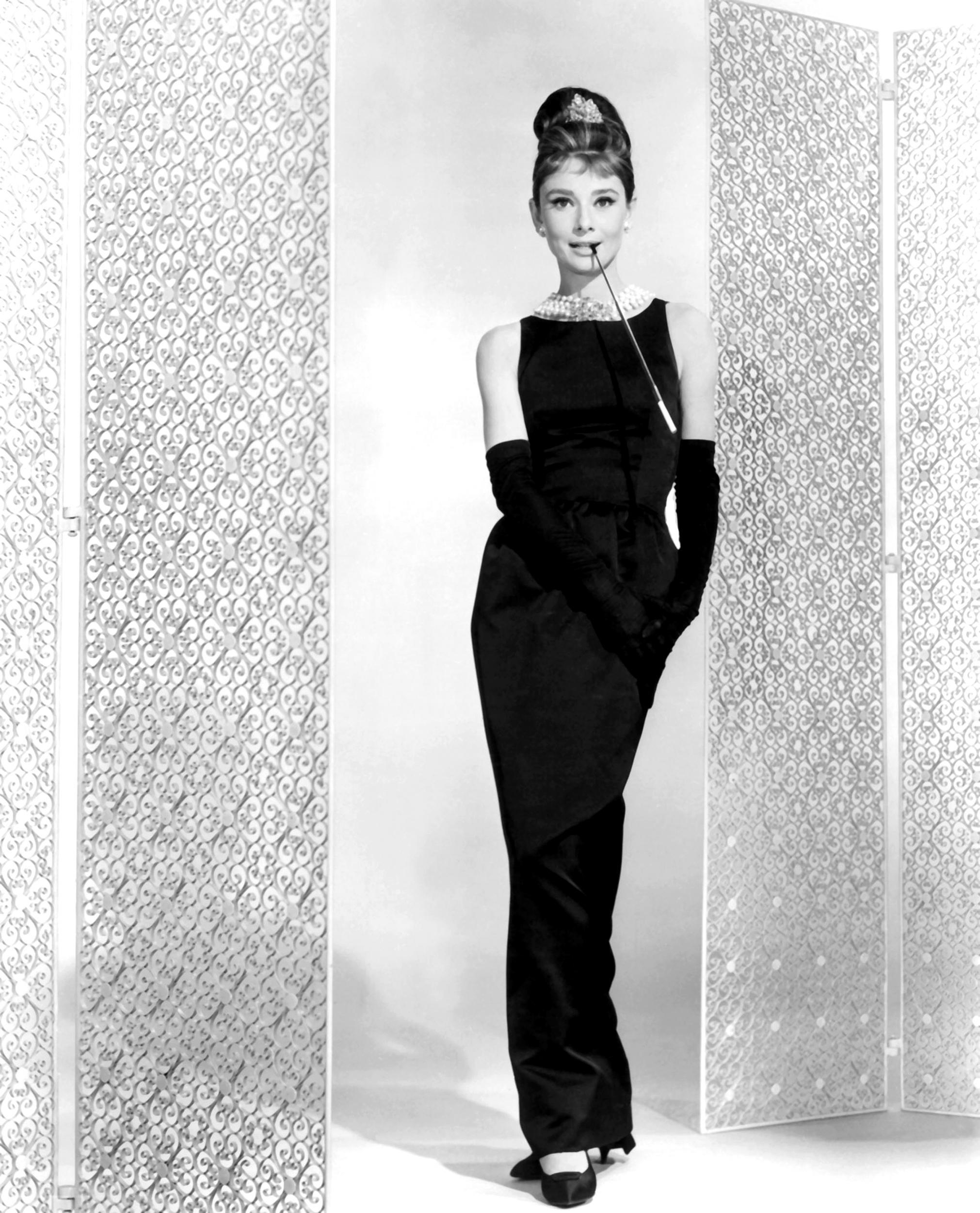 Audrey Hepburn trong chiếc đầm LBD huyền thoại
