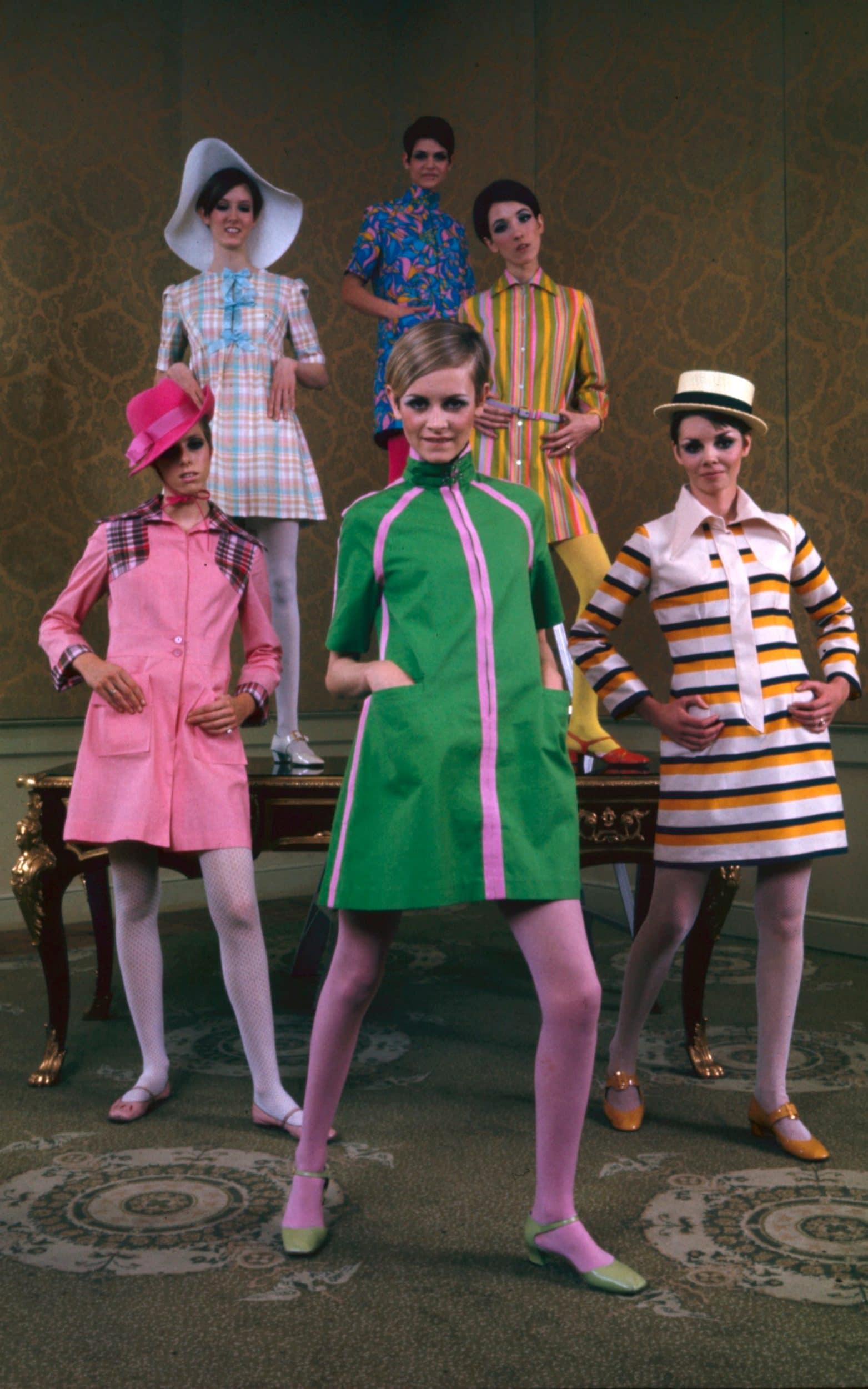 Tượng đài thời trang thập niên 60 Twiggy nổi tiếng với những chiếc đầm suôn ngắn và tất chân màu sắc