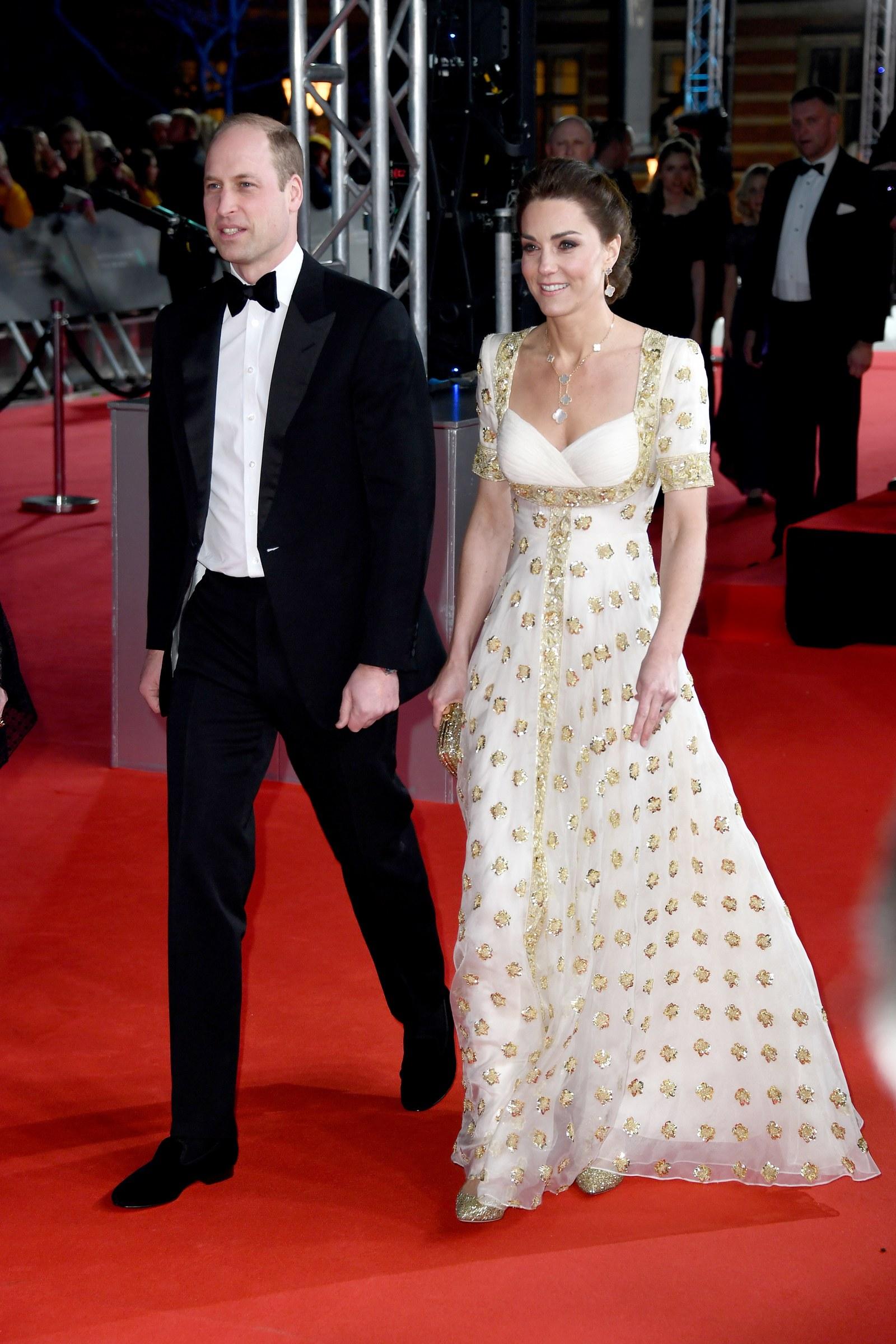 Công nương Kate Middleton trong thiết kế Alexander McQueen tại thảm đỏ BAFTA 2020