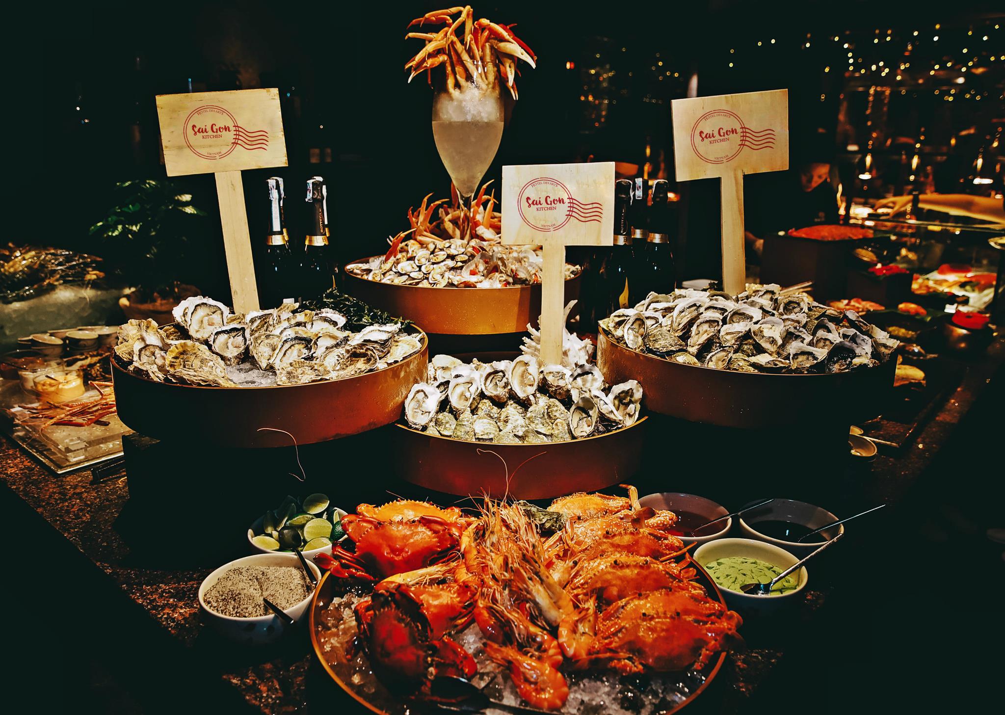 Hôtel des Arts Saigon bữa tối mùa yêu thương