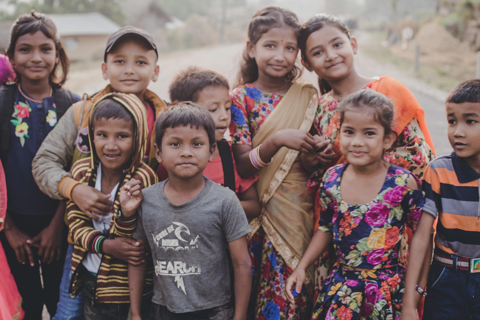 trẻ em địa phương