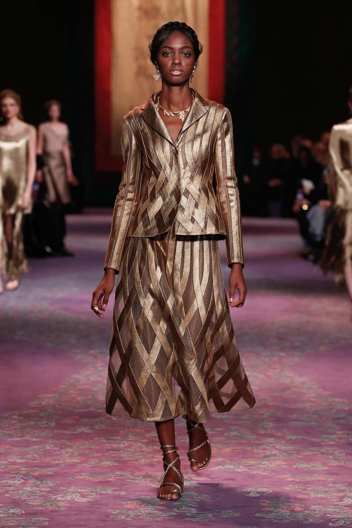 Dior Haute Couture Xuân - Hè 2020 áo vest và chân váy 3