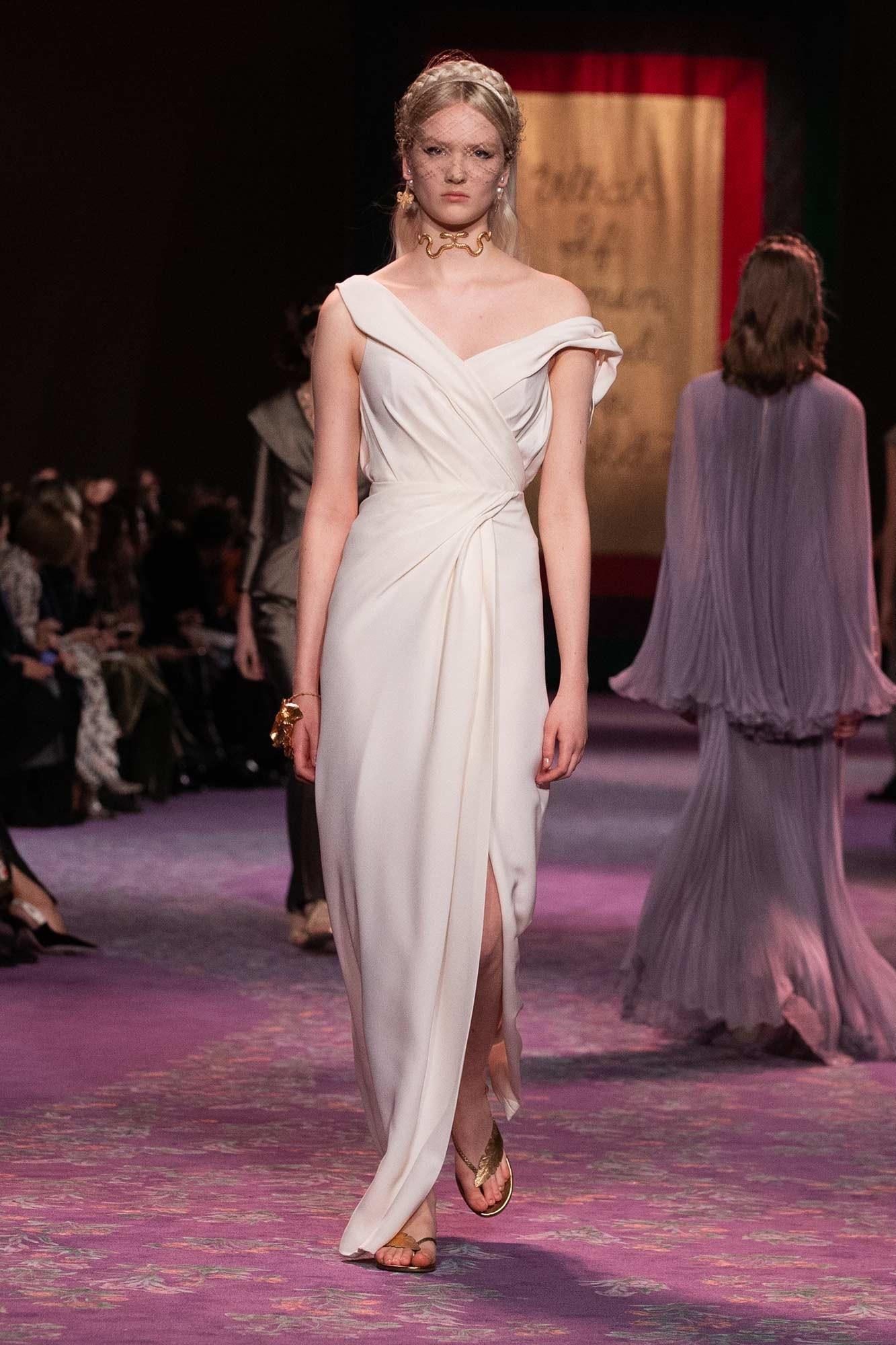 Dior Haute Couture Xuân - Hè 2020 đầm thắng trễ vai 44