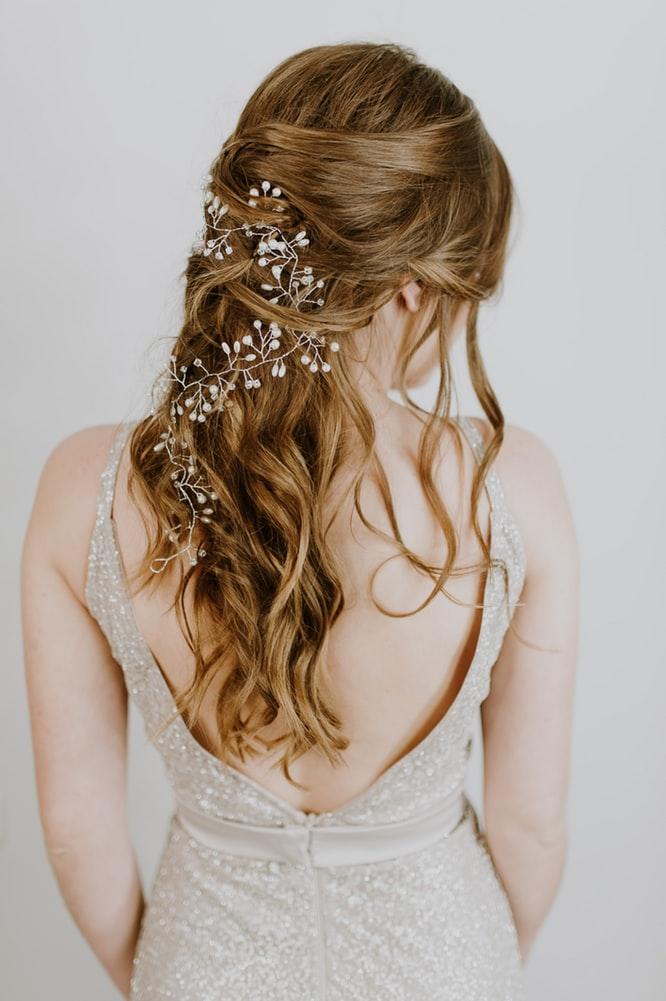 Những kiểu tóc ngày Valentine thu hút mọi ánh nhìn.