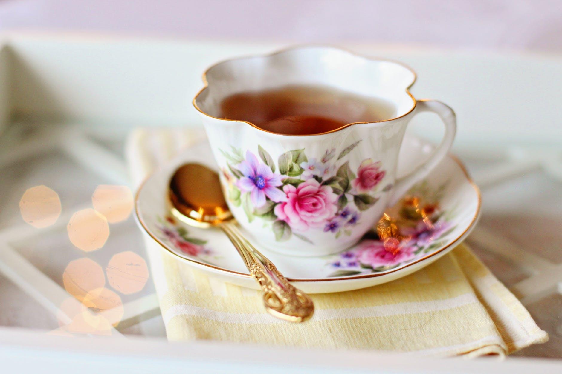 Thực phẩm tăng sức đề kháng-Tách trà xanh.