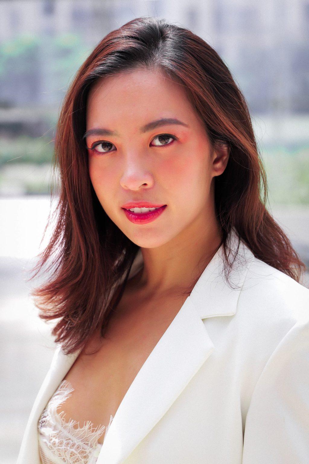 ELLE phỏng vấn Hana Giang Anh