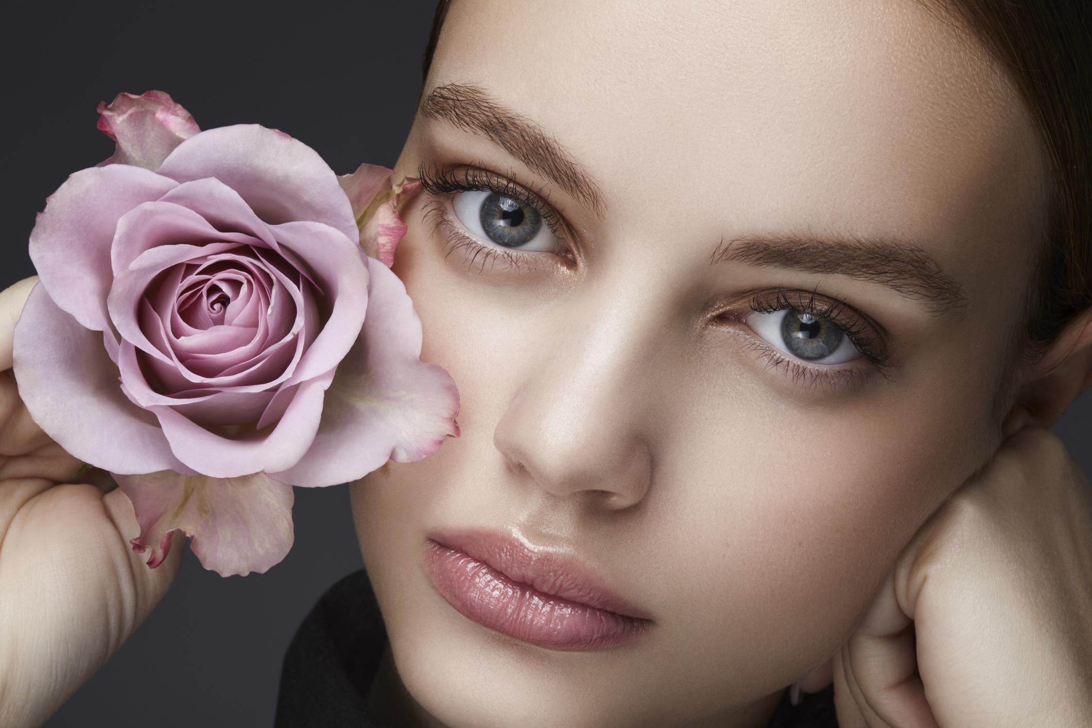 Bí quyết chọn hương nước hoa ngày Valentine sang trong quyến rũ.