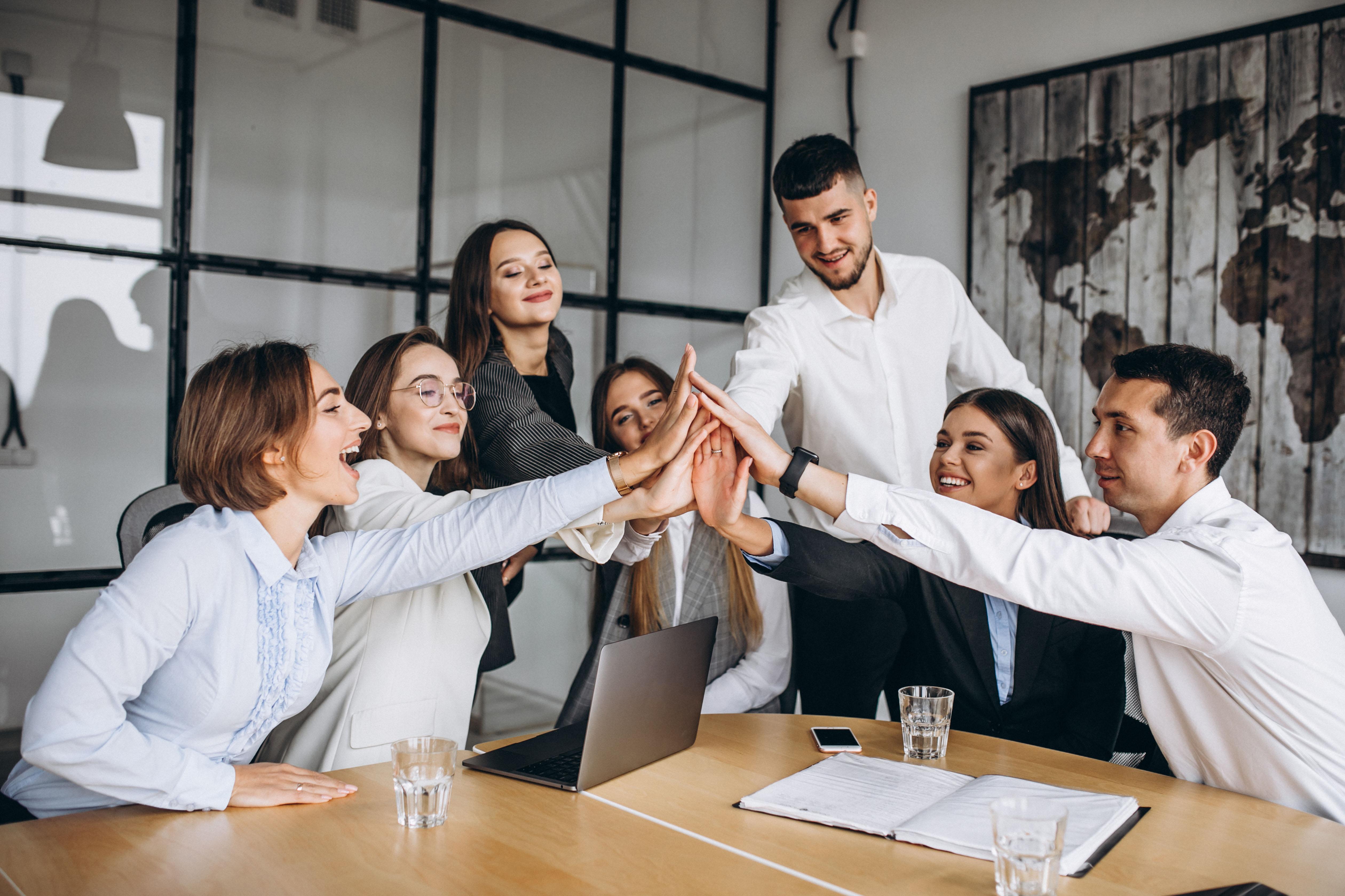 thái độ làm việc cả nhóm bàn việc