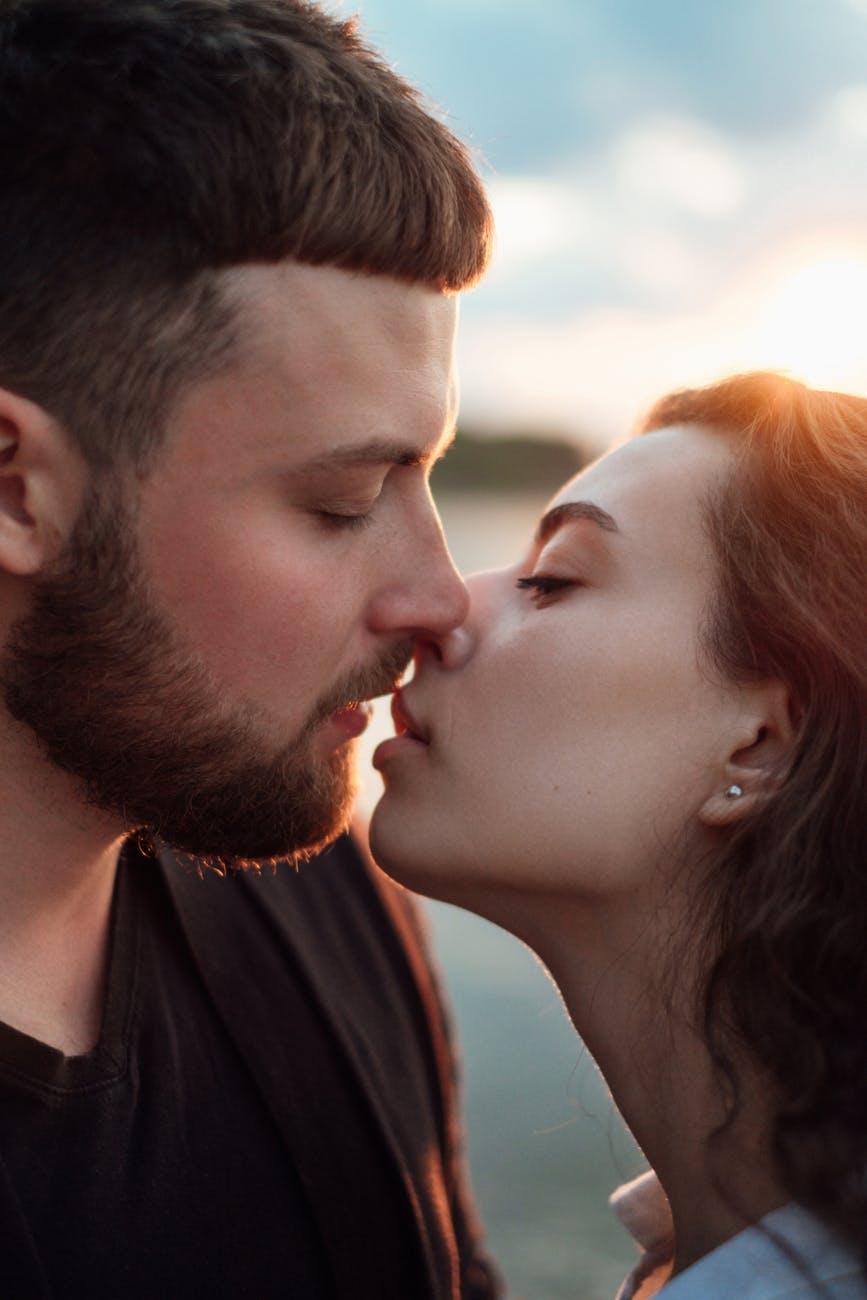 người yêu hoàn hảo cặp đôi hôn gần