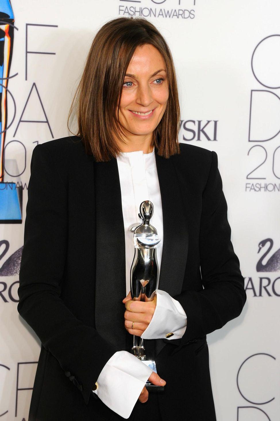 tin thời trang phoebe philo tại lễ trao giải international awards 2011