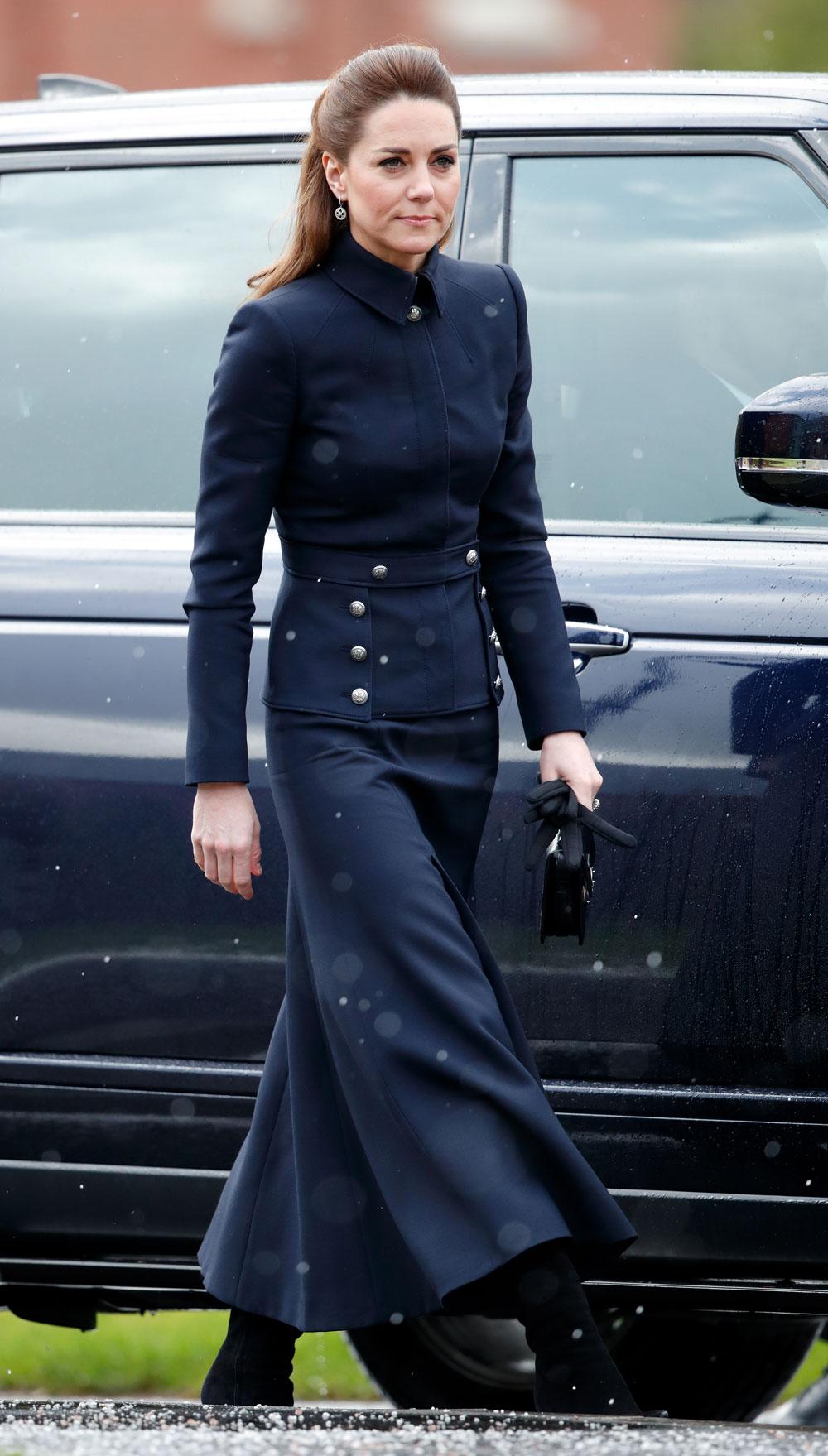 Kate Middleton mặc trang phục tưởng niệm Alexander McQueen