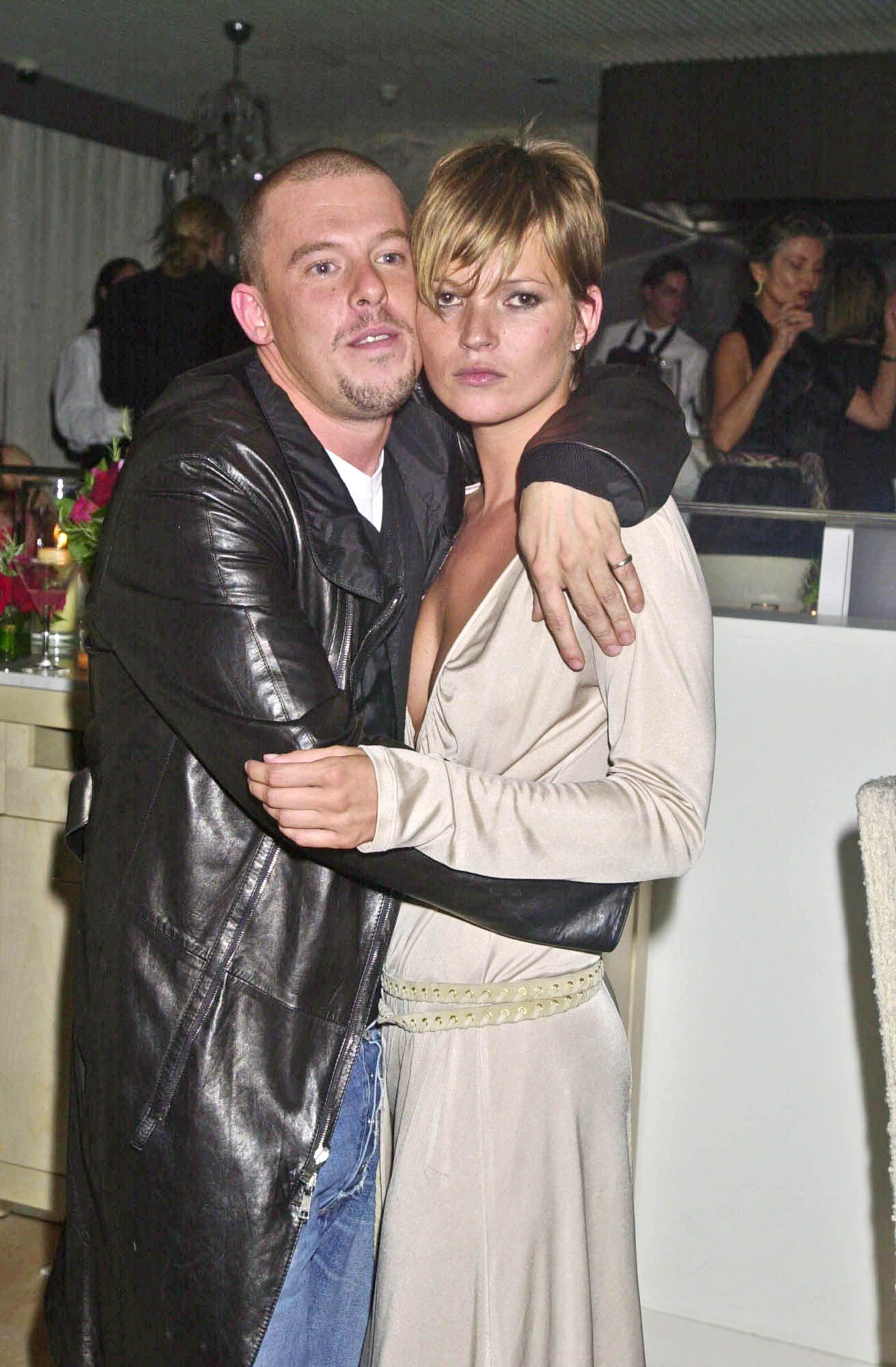 Alexander McQueen và người bạn thân Kate Moss