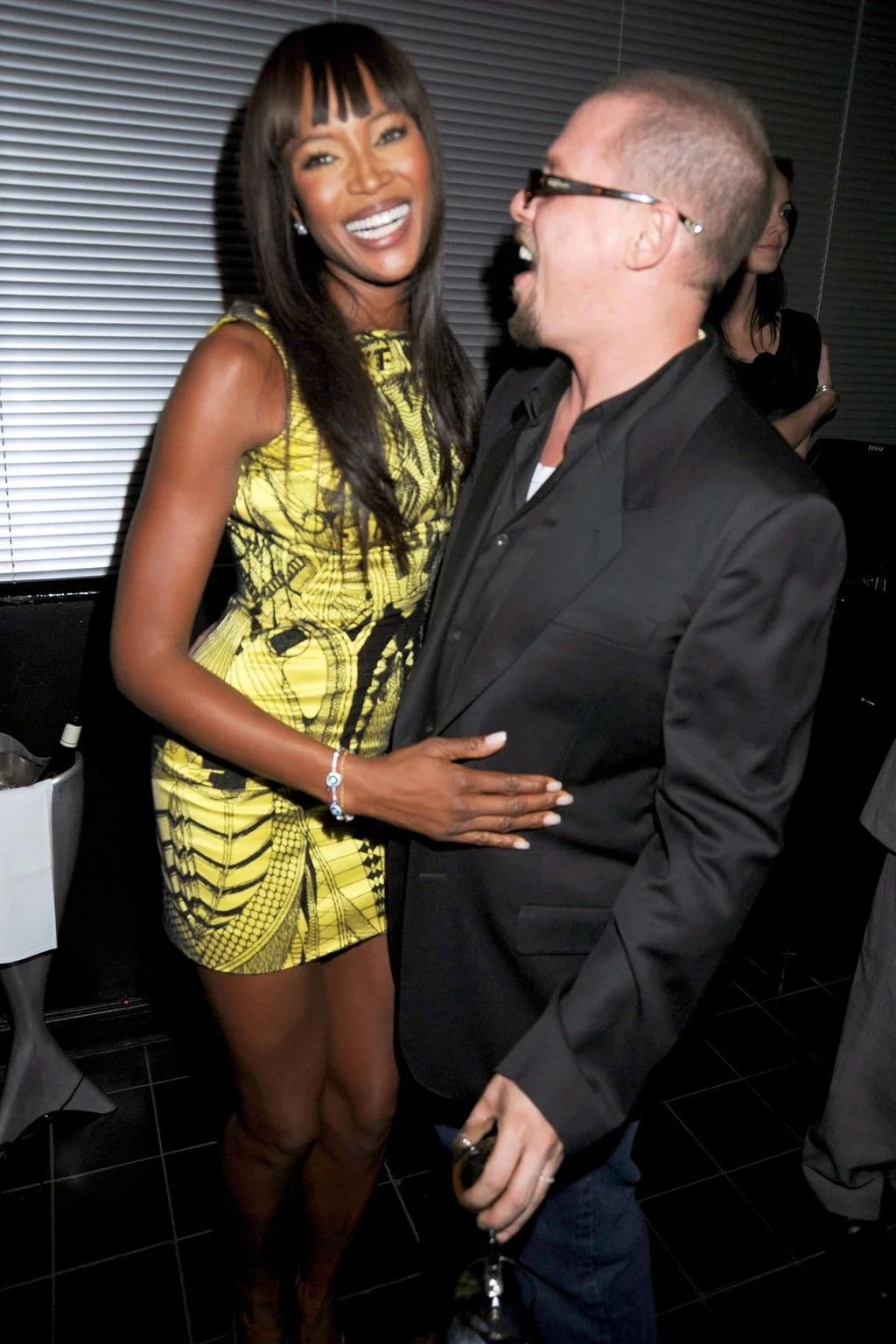 NTK Alexander McQueen và siêu mẫu Naomi Campbell