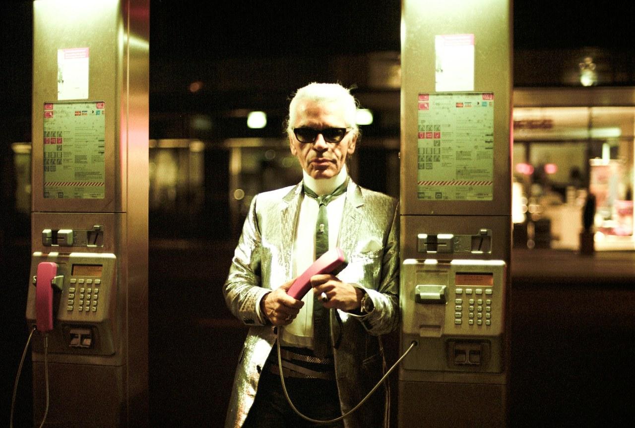 Ảnh chụp Karl Lagarfeld tại triển lãm ở Berlin