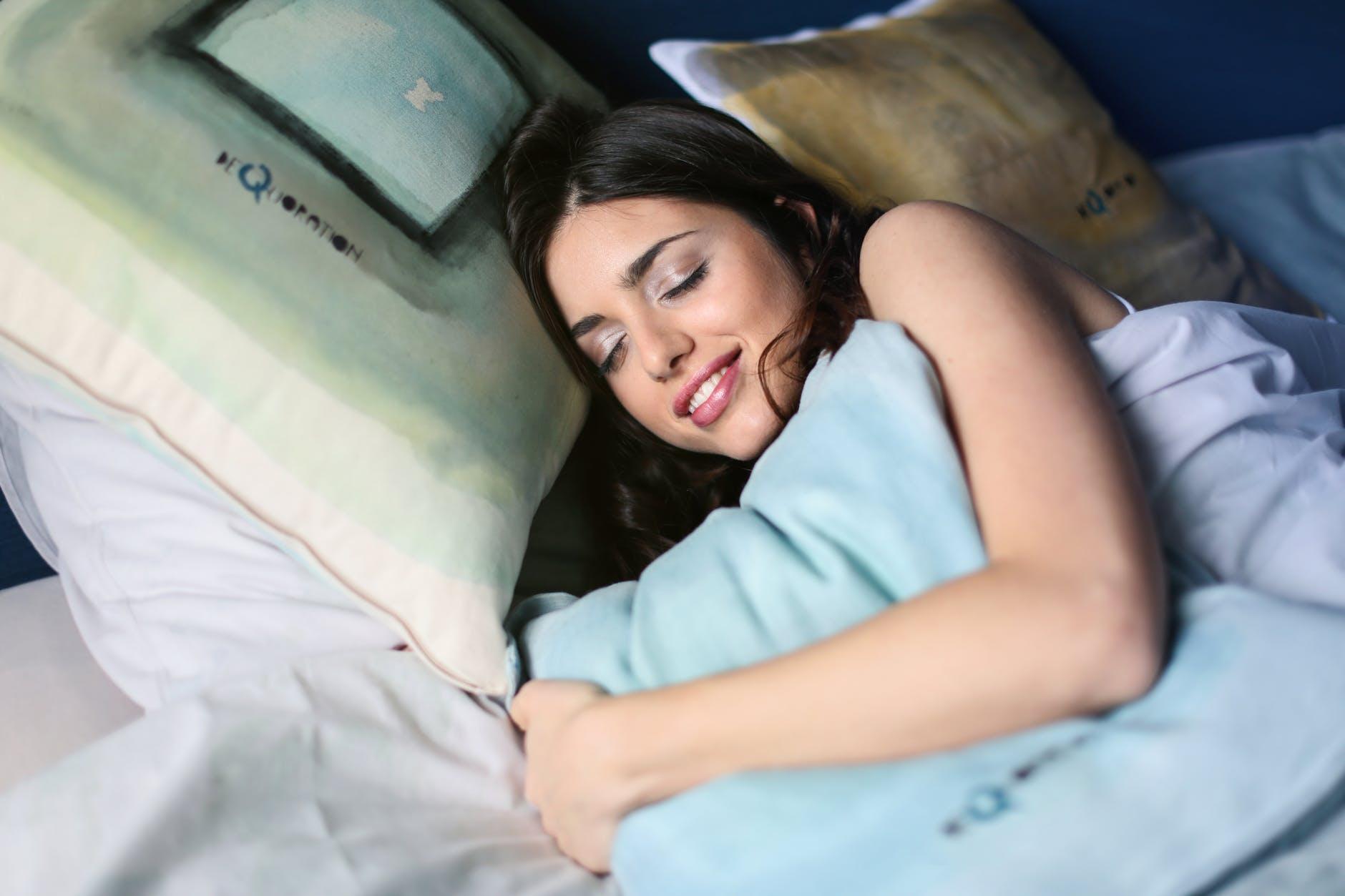 Tăng cường hệ miễn dịch-Cô gái đang ngủ.