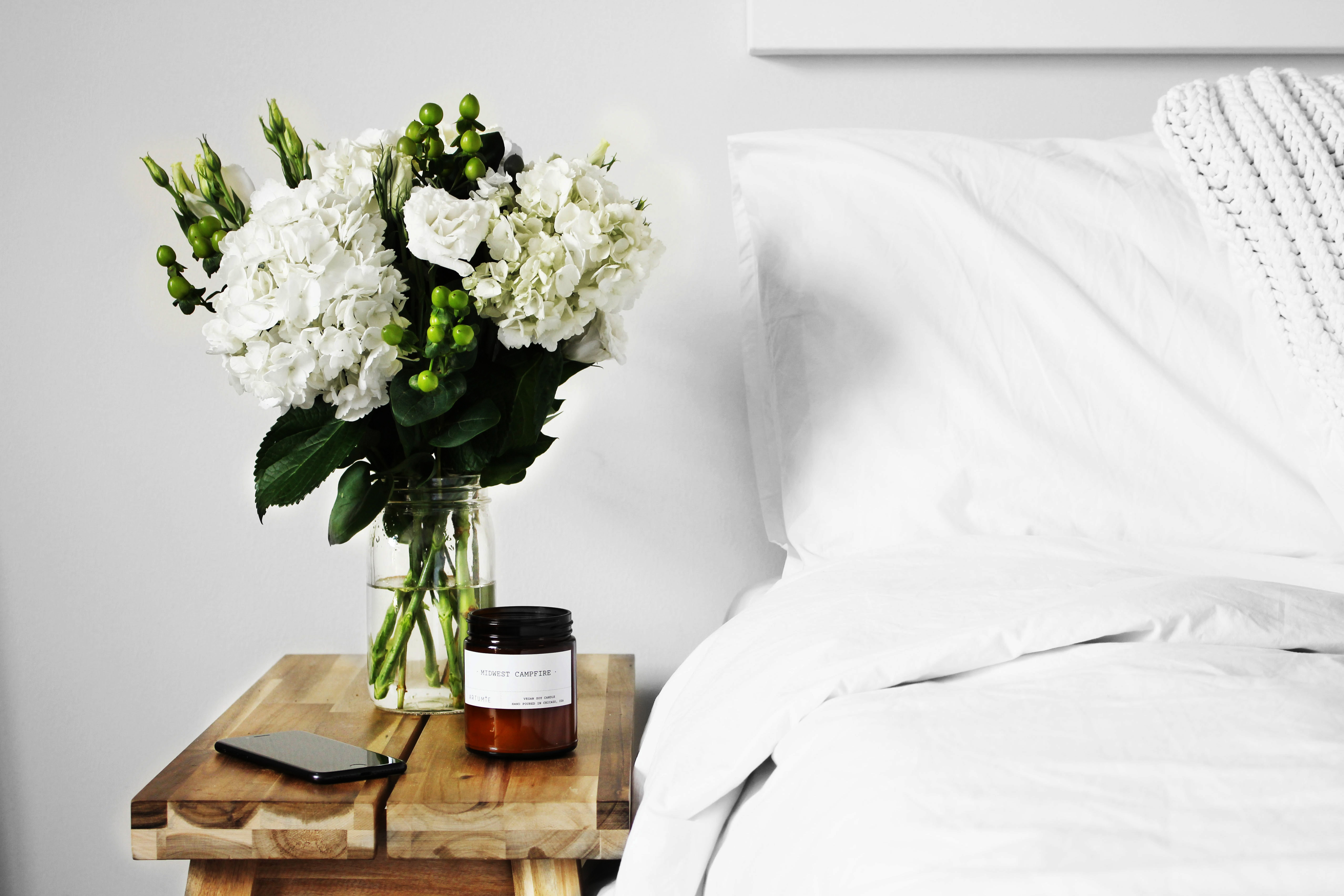 chiếc giường sạch sẽ buổi sáng